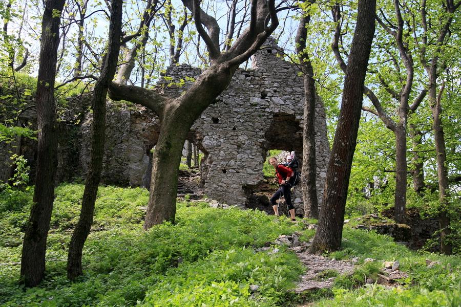 hrad ostry kamen